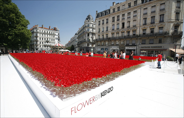 flower-by-kenzo-champ-coquelicots.jpg
